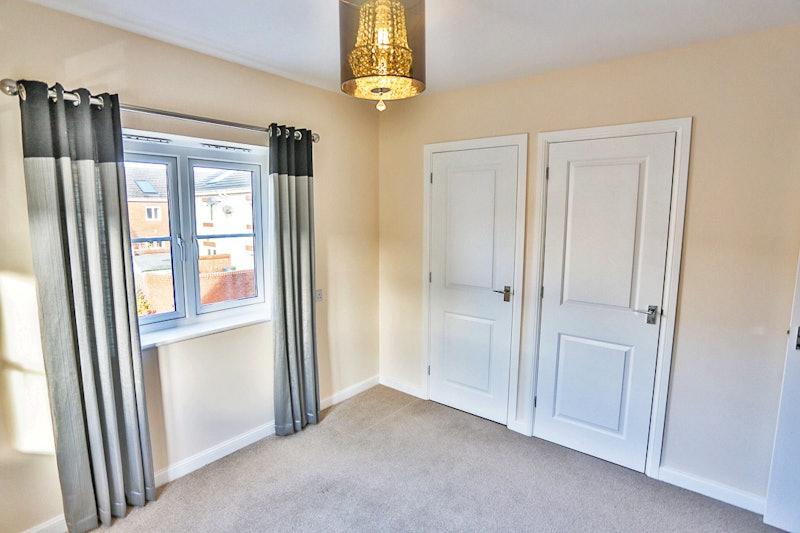 3 bedroom semi detached house for sale located cf37 5pj for Q kitchen pontypridd