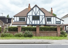5 Bed house, Cockfosters Road, London, EN4